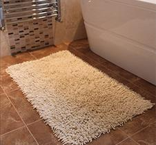 Cream Chenille Bathmat 300