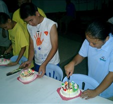 064 cutting cakes