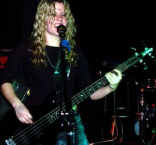 5712 Shannon on bass
