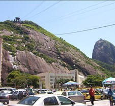 Pão de Açúcar - Looking up to Morro da U