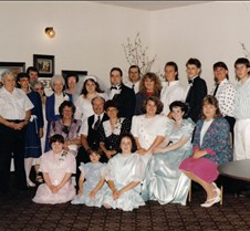 steveloriwedding-bigfamilypict