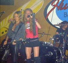 008 rocking the mic