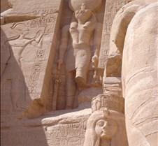 Nefertari & Ra/Horus @ entrance