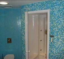 LHR - Terraces Lounge (T4) Shower