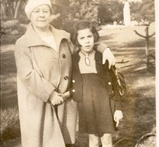 123c Anna et Renee paris 1936