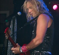 8987 Ralph on guitar