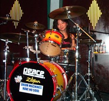5338 Yumi on drums