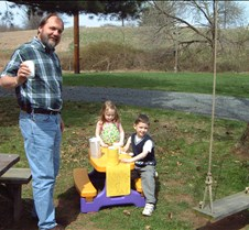 Olav Caitlin and Connor lemonade stand 2