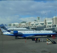 UA Aircraft Concourse B (2)