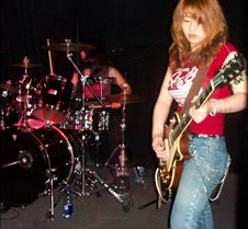 5658 Mayuko on guitar