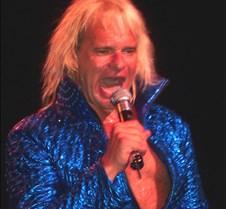 2706 Dave sings