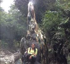 Volcan Cerro  Machin En mi paso por el machin pude apreciar gran variedad de paisajes hermosos que camuflan el peligro y terror que este puede ocasionar. Ubicado a pocas horas de la Ciudad de Ibagué a una altitud de  2750 msnm.