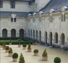 Abbaye le Fontevraud - Courtyard