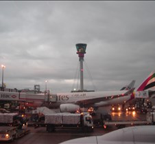 AA 100 - Docking at Gate