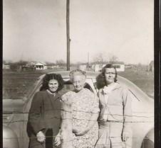 Mama Ellis, Lorraine, and Jackie