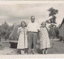 William Hood, & sisters Ruby Henry & Mar