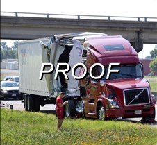 070213_truck_accident03