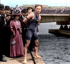 Harry Houdini at Harvard Bridge, 1908