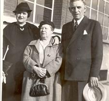 123d Karp's daugher Anna karp Paris 1936