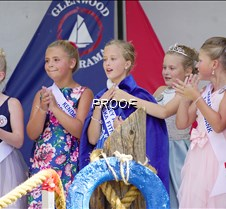 Jr queen crowned