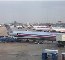 AA MD-80s at Concourse D