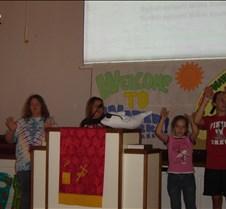 2007 VBS closing program and picnic 025