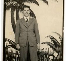 LM Hood 1947