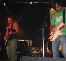 048_guitarists