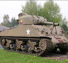 Sherman Tank with 75mm Turret Gun