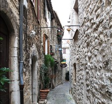 Saint Paul Village – Narrow Streets