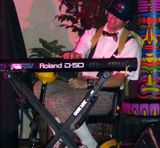 0888 guest keyboard player