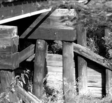 trainbridgedetailbw