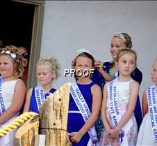 Jr Queen crowning