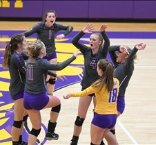 HS-Volleyball3-10-17
