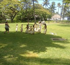 Waikiki Beach - Kids learning to Hula