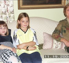 November 21, 2004 MotherNutFamilyVisit1104