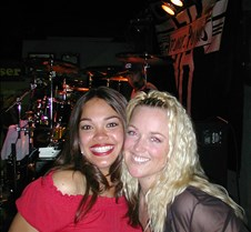 055_Jenn_and_Christy