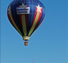 AmeriGas Balloon Tosses Streamer