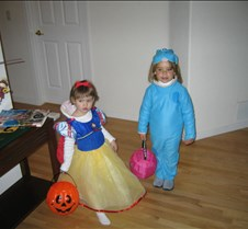 halloween2004 jilli & ciara3
