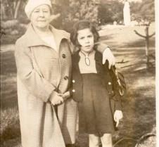 123c Anna et Renee paris 1936