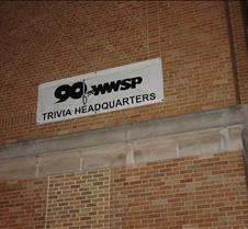 90FM sign