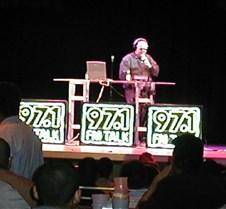 013_Tom_on_stage