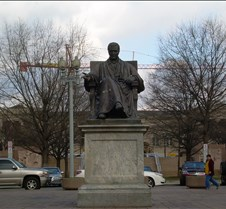 Chief Justice Warren Statue