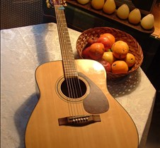 guitar and Fruit