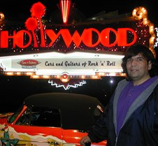 100_Hollywood_Cars_and_Guitars