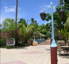 Path to beach, pool and dining
