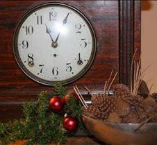 2017 12-24 ChristmasEve Judy (4) Clock n