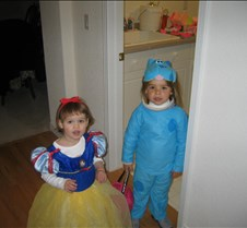 halloween2004 jilli and ciara1