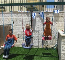 Yom Haatzmaut at the Chon's 2006 024