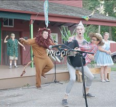 Cowardly Lion scares group